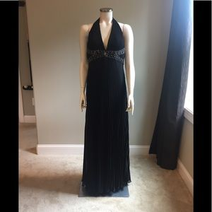 Sue Wong Black Chiffon Beaded Halter Gown 12